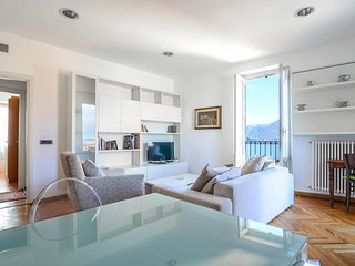 Spacious apartment very close to the centre of Bellagio with Internet, Washing m
