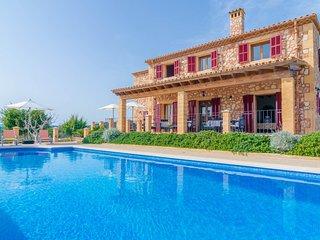 Spacious villa in Sant Llorenç des Cardassar with Parking, Internet, Washing mac