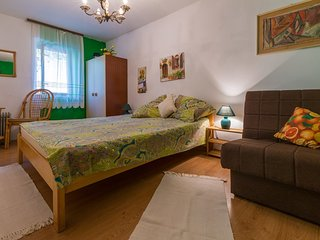 Cozy apartment close to the center of Crikvenica with Parking, Washing machine,