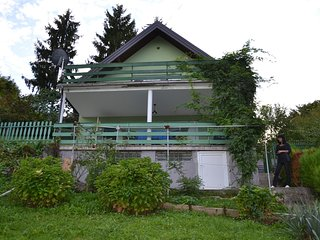 Cozy house in the center of Sveta Nedelja with Parking, Internet, Washing machin