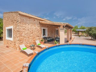 Cozy house in Santa Eugènia with Parking, Internet, Washing machine, Pool
