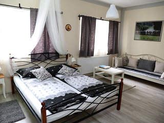 Cosy studio close to the center of Zagreb with Lift, Parking, Internet, Washing