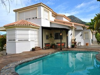 Spacious villa in the center of Alhaurin de la Torre with Parking, Internet, Was