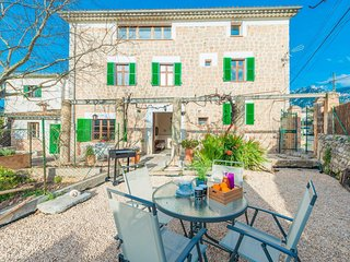 Spacious house in Soller with Internet, Washing machine, Air conditioning, Terra