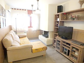Spacious apartment in Peramola with Lift, Parking, Internet, Washing machine