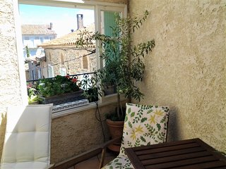 Cozy house in the center of Pouzols-Minervois with Parking, Internet, Washing ma