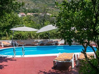 Cozy apartment in the center of Cavtat with Parking, Internet, Air conditioning,