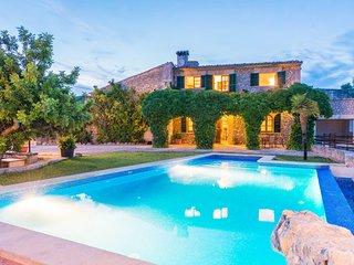 Spacious villa in Selva with Parking, Internet, Washing machine, Pool