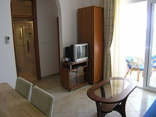 Cozy apartment in the center of Pirovac with Parking, Internet, Air conditioning