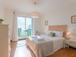 Spacious apartment in Funchal with Lift, Internet, Balcony