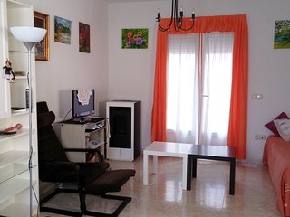 Spacious house in the center of Aldea Real with Parking, Washing machine, Terrac