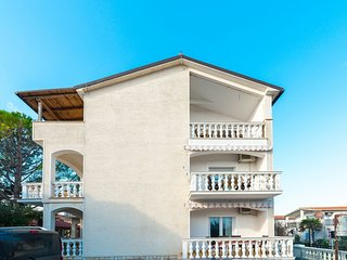 Spacious apartment in Privlaka with Parking, Internet, Air conditioning, Balcony