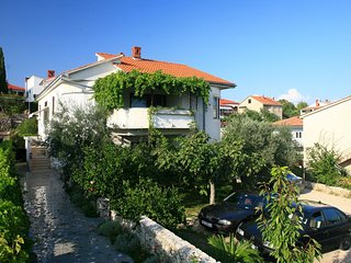 Cozy house in the center of Krk with Parking, Internet, Washing machine, Air con
