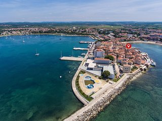 Spacious apartment in the center of Umag with Internet, Air conditioning, Balcon
