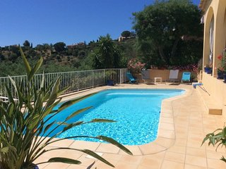 Cozy villa in the center of Bormes-les-Mimosas with Parking, Washing machine, Po
