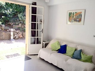 Cozy apartment in Saint-Raphaël with Parking, Internet, Garden, Terrace