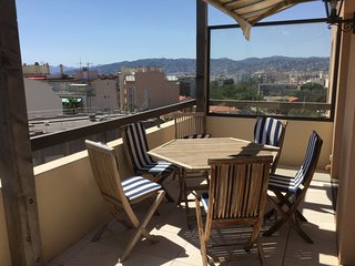 Spacious apartment close to the center of Antibes with Parking, Washing machine,