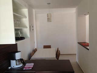 Spacious apartment very close to the centre of Lun with Parking, Internet, Washi