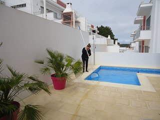 Spacious villa in the center of Salir do Porto with Parking, Internet, Washing m