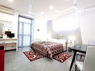 Cosy studio in the center of Catania with Parking, Internet, Washing machine, Ai