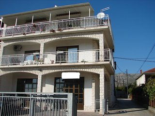 Spacious apartment in the center of Trogir with Parking, Internet, Air condition