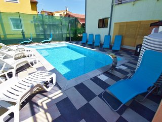 Spacious apartment in the center of Fazana with Parking, Internet, Washing machi