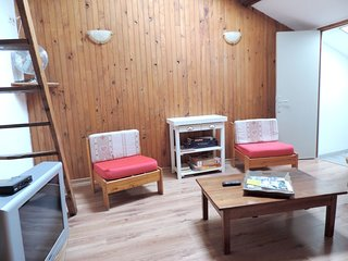 Cozy apartment in the center of Embrun with Parking, Internet, Washing machine