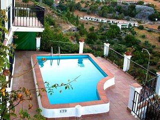 Spacious villa in Grazalema with Parking, Internet, Washing machine, Pool