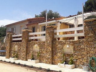 Spacious villa in Le Beausset with Parking, Internet, Washing machine, Pool