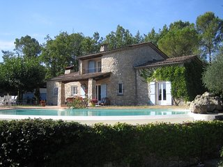 Spacious villa in Fayence with Parking, Internet, Washing machine, Pool