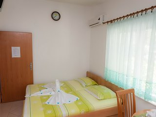 Cosy studio in the center of Blace with Parking, Internet, Air conditioning, Bal