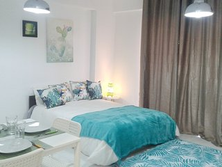 Cozy apartment close to the center of Quarteira with Parking, Internet, Washing