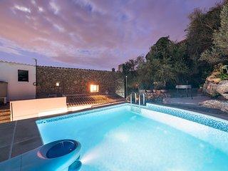 Spacious villa in the center of Mancor de la Vall with Internet, Washing machine