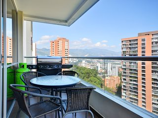 Spacious apartment in Medellín with Air conditioning, Balcony