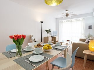 Cozy apartment a short walk away (282 m) from the 'Playa de Santa Amalia' in Fue