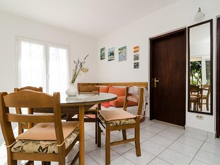 Cozy apartment very close to the centre of Drače with Parking, Internet, Washing