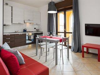 Spacious apartment in the center of Torri del Benaco with Parking, Washing machi
