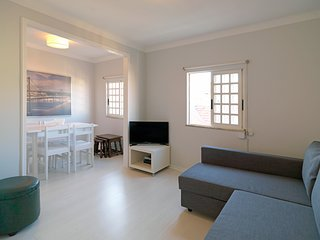Cozy apartment in the center of Lisbon with Internet, Washing machine