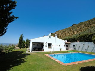 Cozy house in Antequera with Washing machine, Pool, Garden, Terrace