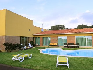 Spacious house in Povoa de Varzim with Parking, Internet, Washing machine, Pool