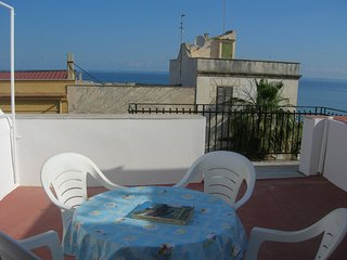 Spacious apartment in the center of Balestrate with Parking, Internet, Washing m
