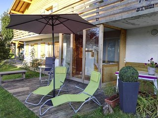 Cozy apartment close to the center of Araches-la-Frasse with Parking, Internet,