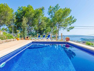 Spacious villa in Portals Nous with Internet, Washing machine, Air conditioning,