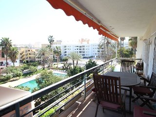 Spacious apartment close to the center of Torremolinos with Parking, Internet, W