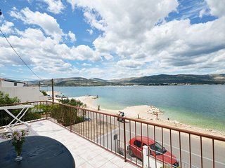 Spacious apartment in Arbanija with Parking, Internet, Air conditioning, Balcony