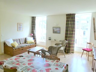 Cozy apartment in the center of La Bourboule with Lift, Parking, Washing machine