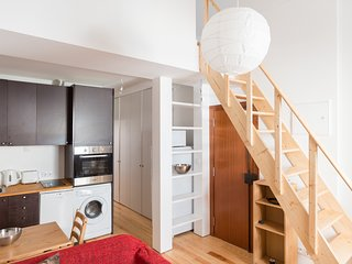 Cozy apartment close to the center of Lisbon with Internet, Washing machine, Bal