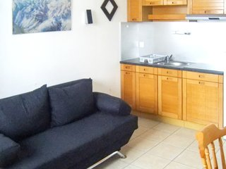 Cozy apartment close to the center of Saint-Lary-Soulan with Lift, Parking, Inte