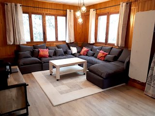 Spacious house close to the center of Saint-Chaffrey with Parking, Internet, Was