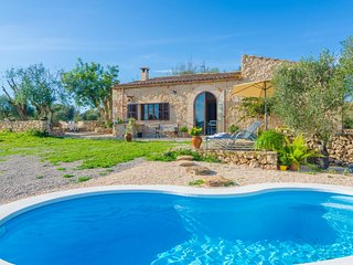 Cozy villa in Vilafranca de Bonany with Parking, Internet, Washing machine, Pool